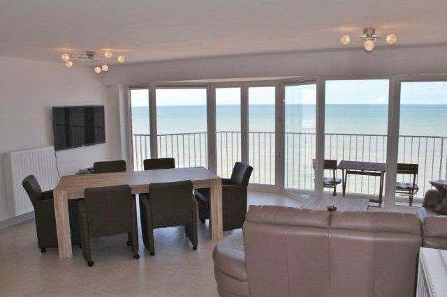 A louer: superbe appartement neuf sur la digue de Westende avec vue sur mer