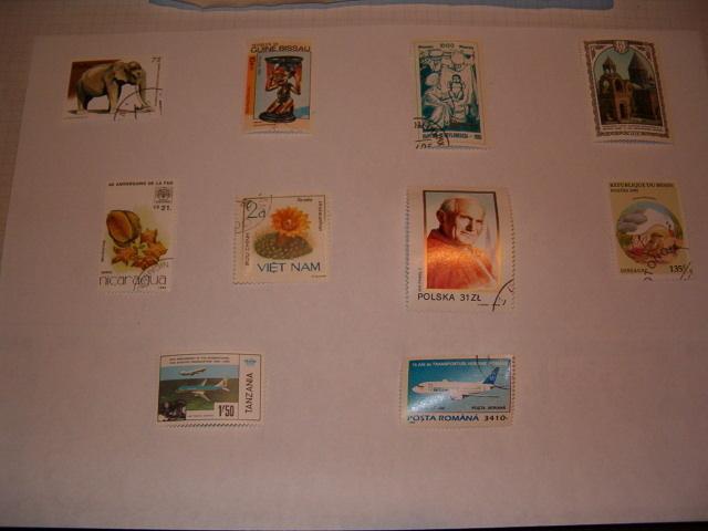 Différents timbres oblitérés de pays différents