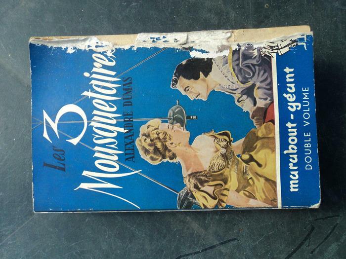 Livre LES TROIS MOUSQUETAIRES d'Alexandre Dumas