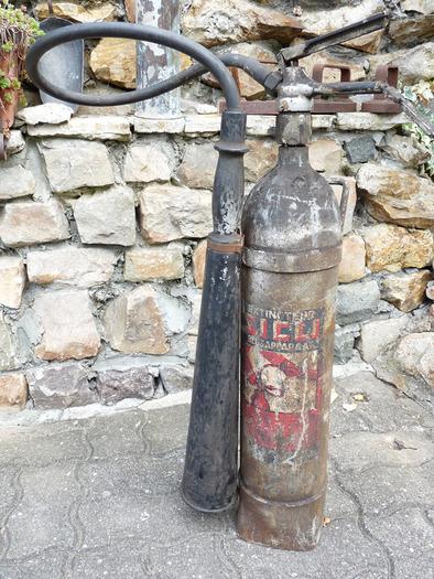 extincteur sicli ancien modèle hauteur -+ 77 cm avec sa lance