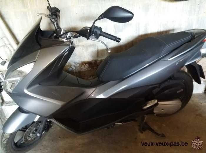 moto Scooter Honda PCX 125